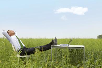 Arbeit Wiese Entspannung, Firmenmassage Dachau, Praxis Glönkler